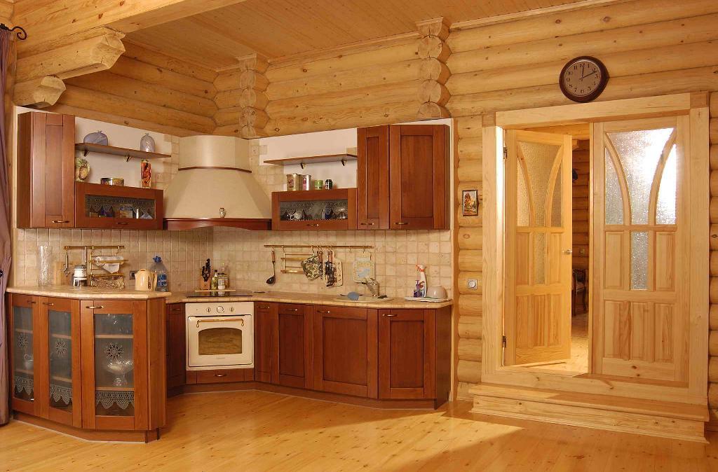 Дизайн кухни в доме из кругляка