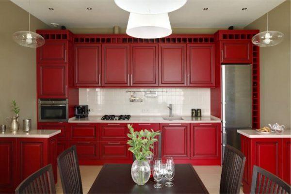 кухня в классическом стиле чёрно красная