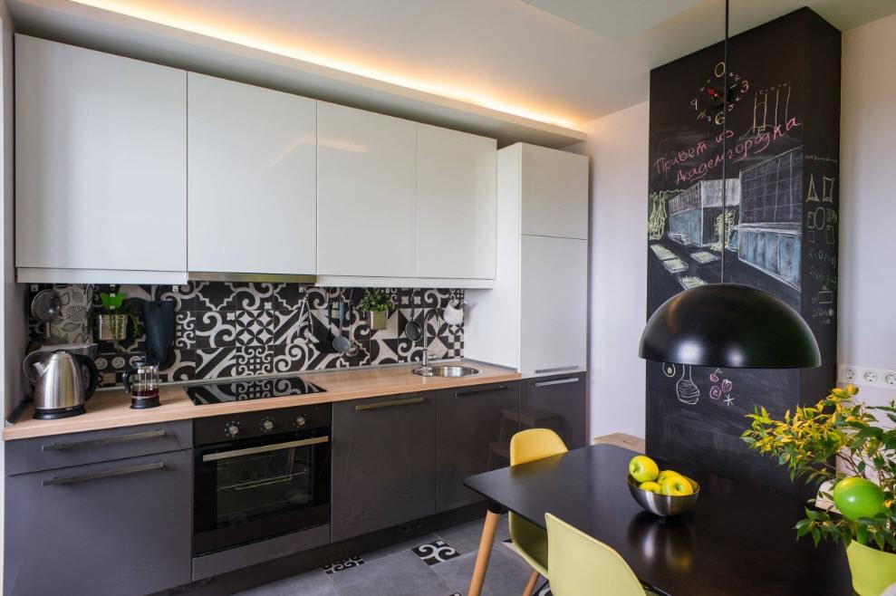 Дизайн кухни белый верх черный низ