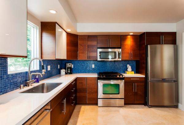 угловая кухня 15 кв м