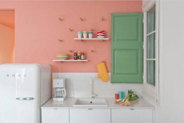 розово-белая кухня 13 кв. метров