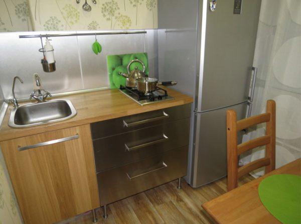 кухня 5 кв.метров в хрущёвке с холодильником