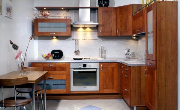 угловая кухня 5 кв.метров в хрущёвке