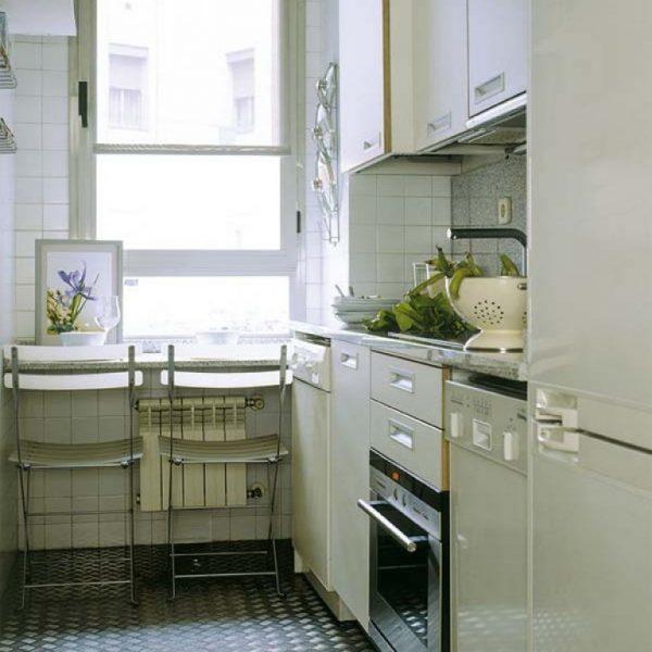 белая кухня 5 кв.метров в хрущёвке