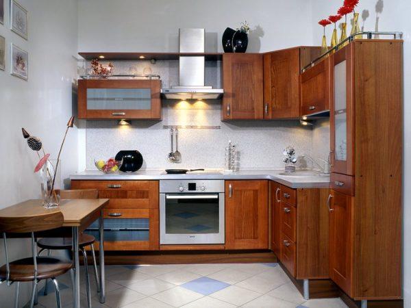 деревянная кухня 5 кв.метров в хрущёвке