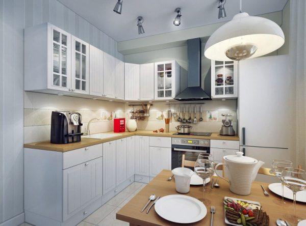 белая кухня эконом класса в доме