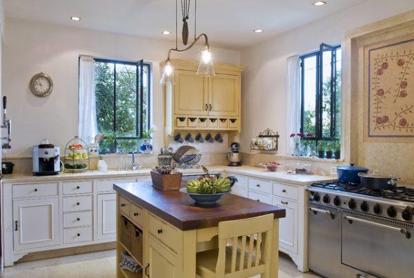"стены на кухне в стиле ""прованс"""