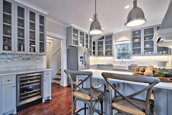 """стулья на кухне в стиле """"прованс"""""""