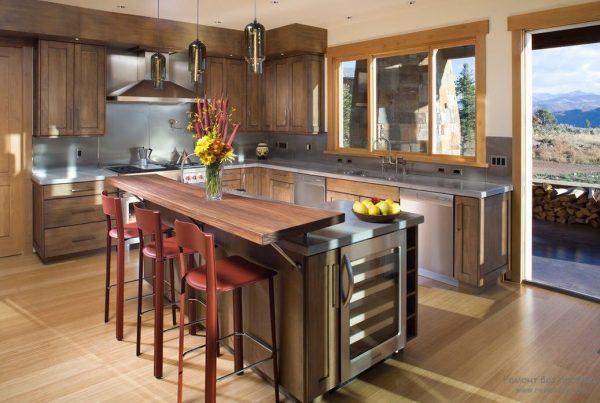 Дизайн угловой кухни с барной стойкой