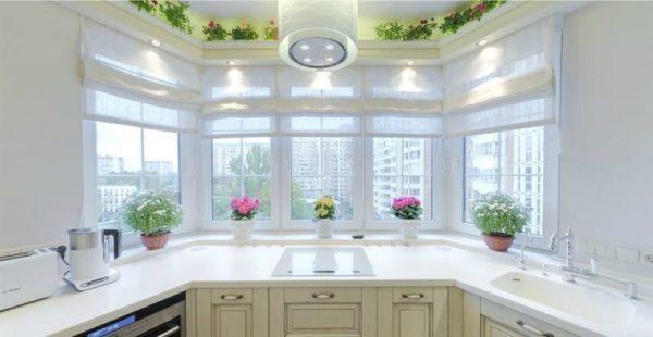 мойка в эркере на кухне