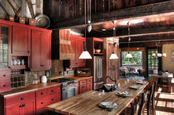 красная кухня в стиле шале