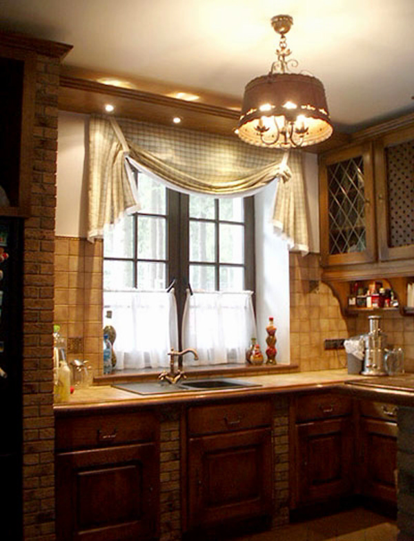светильник на кухне в стиле шале