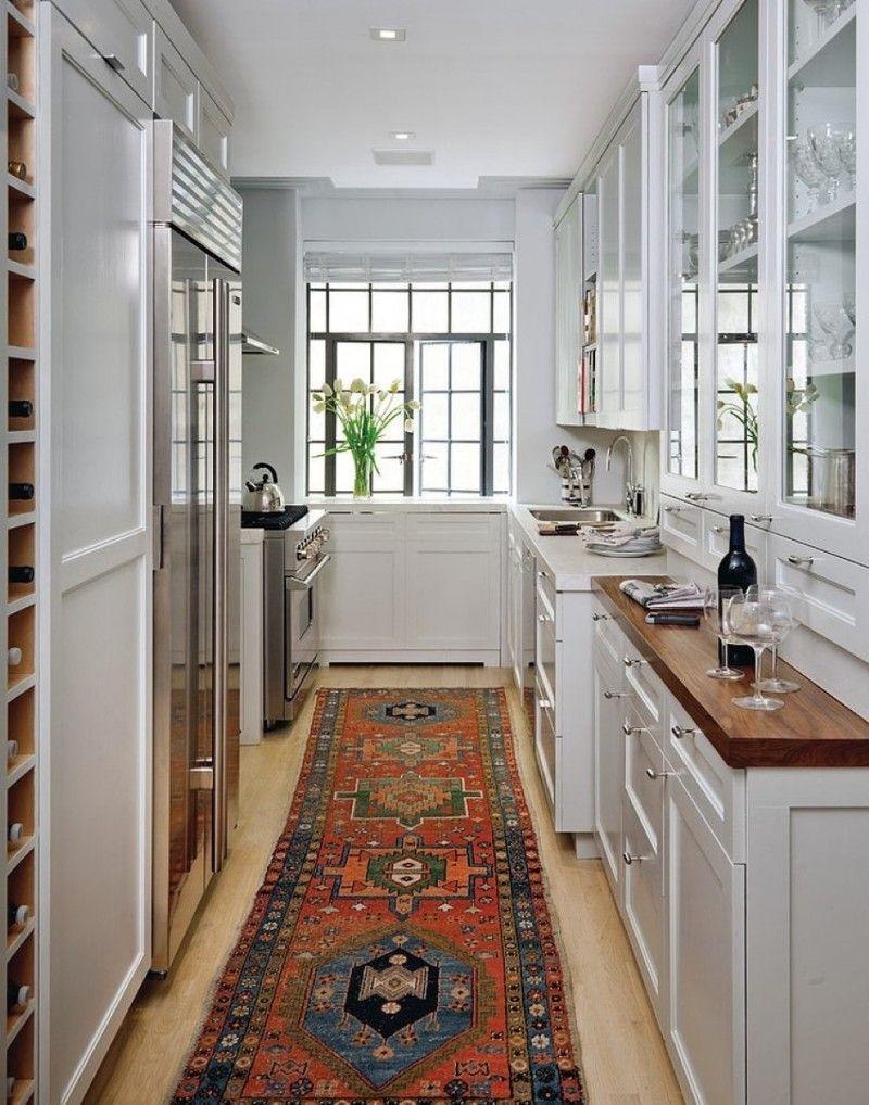 узкая кухня в частном доме