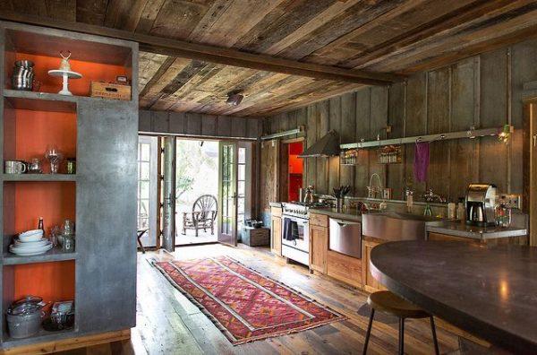деревянная кухня в частном доме