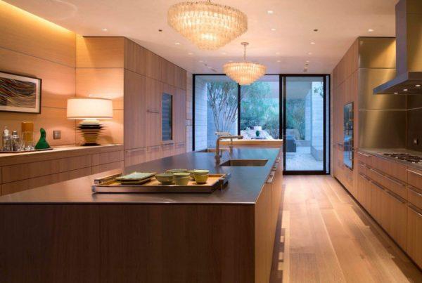 деревянная кухня в стиле модерн