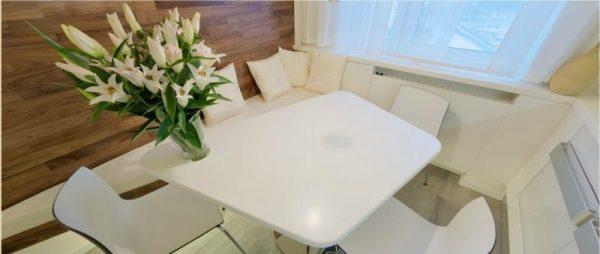 белый кухонный уголок