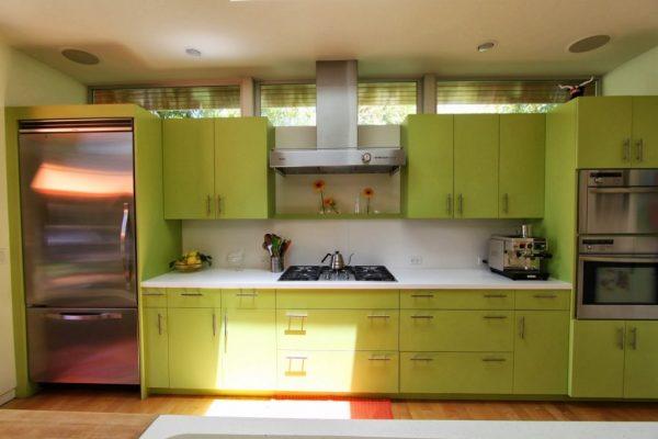 Кухонный гарнитур цвета лайм