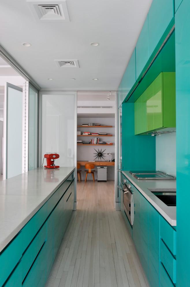 лайм с бирюзой на кухне