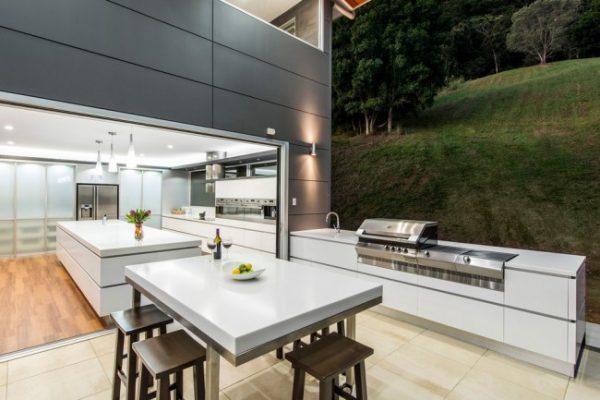 летняя кухня на даче открытая
