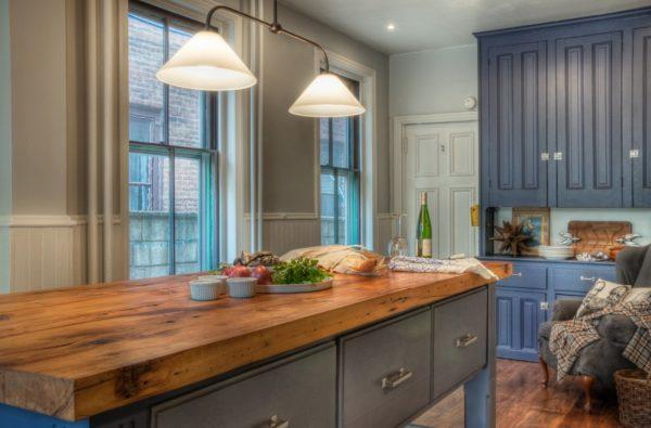 кухонная столешница из мебельных щитов