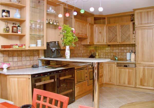 угловая кухня из мебельных щитов