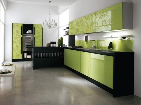 кухня оливкового цвета с узором