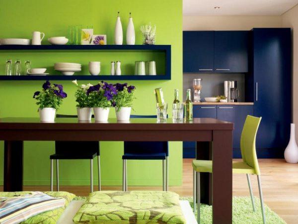 оливковый и синий на кухне