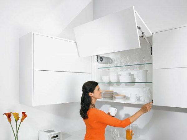 кухни с подъемными дверцами