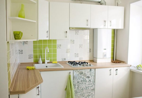 белая угловая кухня 2017 года