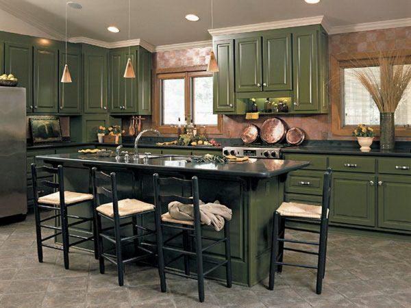 зелёная классическая кухня