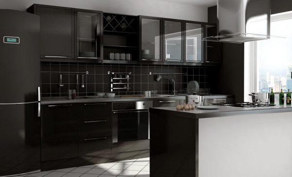 кухня чёрного цвета в классическом стиле