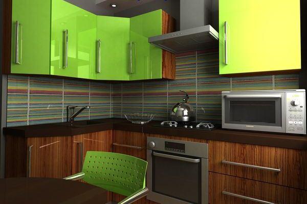 зелёная угловая кухня в хрущёвке