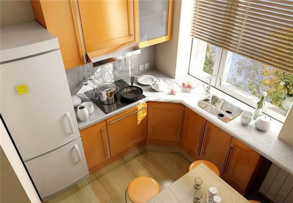жёлтая угловая кухня в хрущёвке
