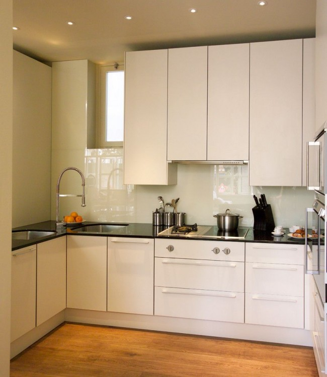 угловая мойка для кухни с двумя чашами