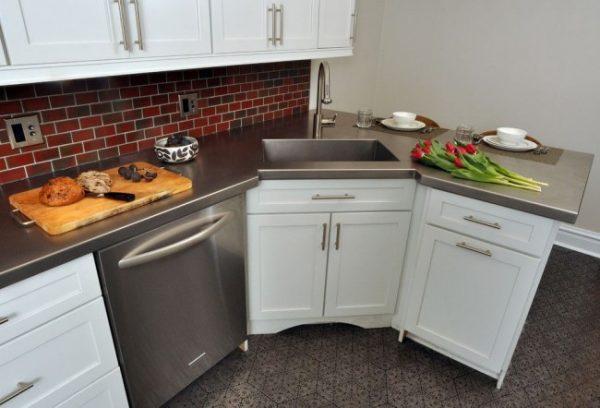 угловая мойка для кухни из нержавейки