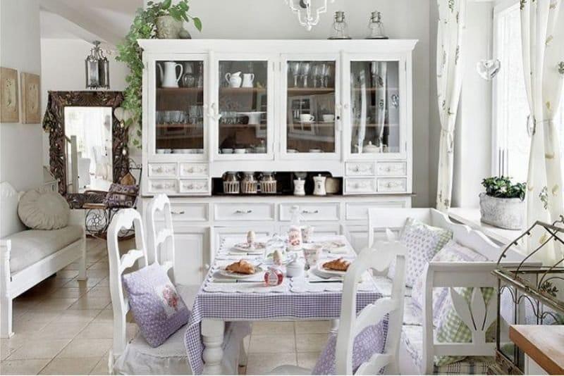 светло-сиреневый цвет кухни