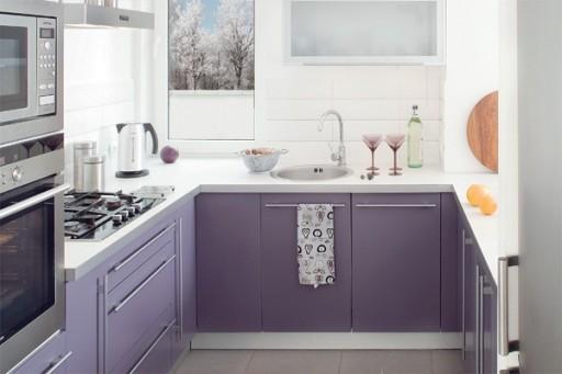 сиреневый интерьер кухни