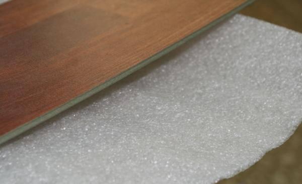 Качественная укладка подложки под ламинат на бетонный пол