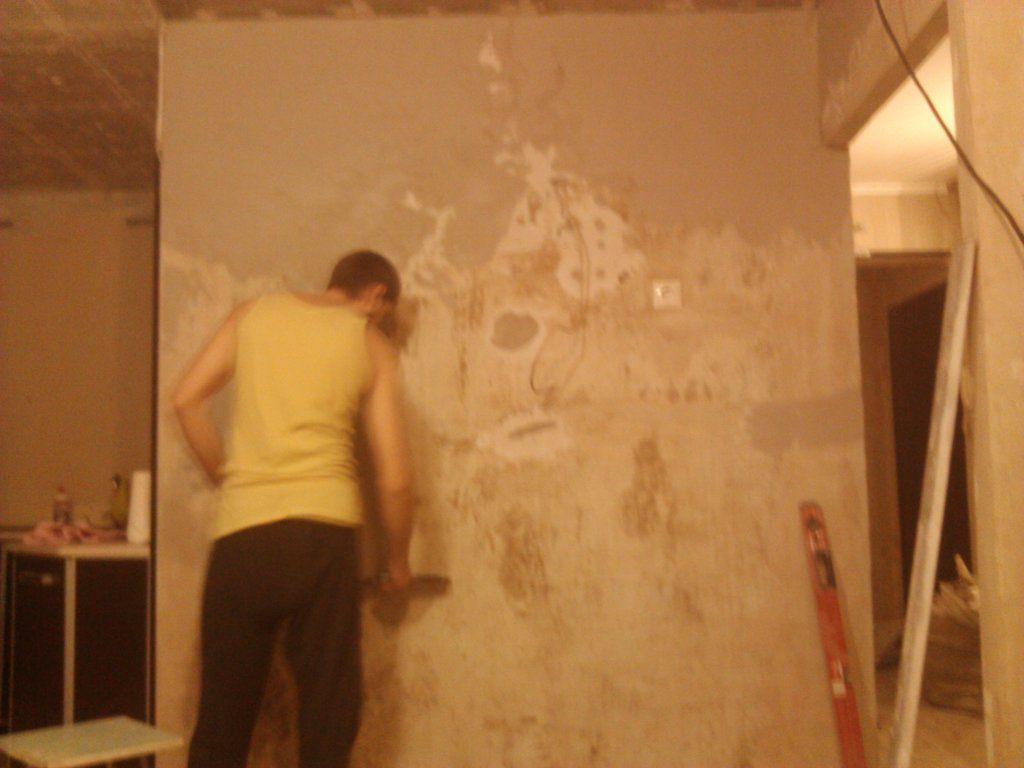 Выровнять стены в кухне своими руками