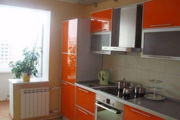 Дизайн кухни с балконом и котлом отопления